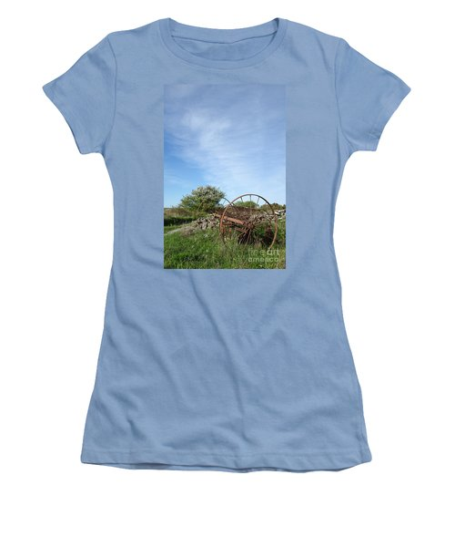 Abandoned Old Horse Rake  Women's T-Shirt (Athletic Fit)