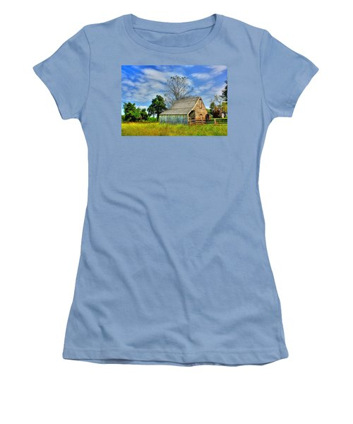 Mclean House Barn 1 Women's T-Shirt (Junior Cut) by Dan Stone