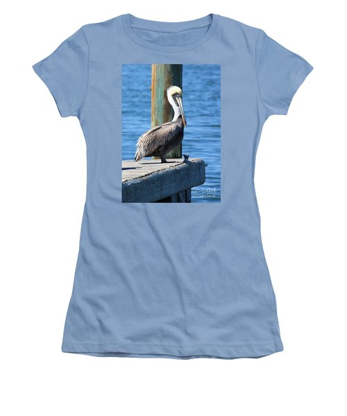 Posing Pelican Women's T-Shirt (Athletic Fit)