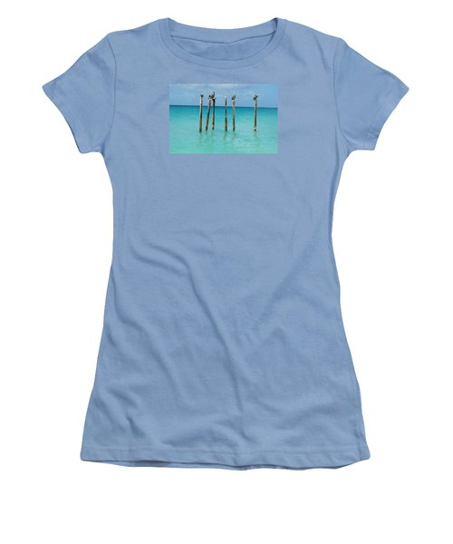 Posted Seagull Women's T-Shirt (Athletic Fit)
