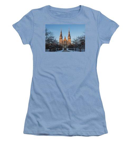 Saint Thomas Of Villanova Women's T-Shirt (Athletic Fit)