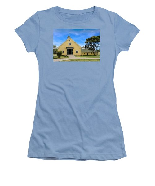 Wells Reserve Barn Women's T-Shirt (Athletic Fit)
