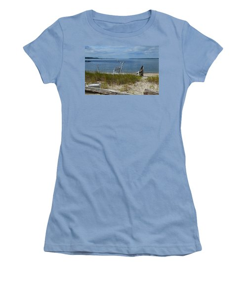 Yorktown Va Beach Women's T-Shirt (Athletic Fit)