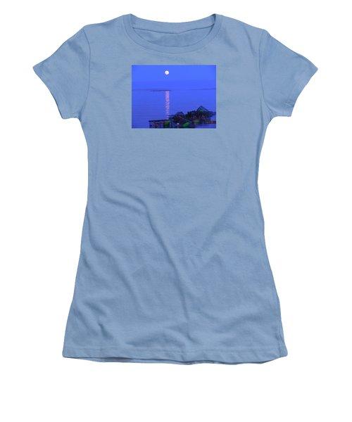 Lobstering Moon Women's T-Shirt (Junior Cut)