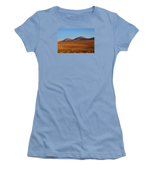 Siloli Desert Women's T-Shirt (Athletic Fit)