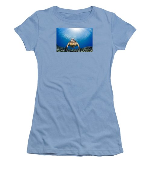 Hawaiian Turtle Women's T-Shirt (Athletic Fit)