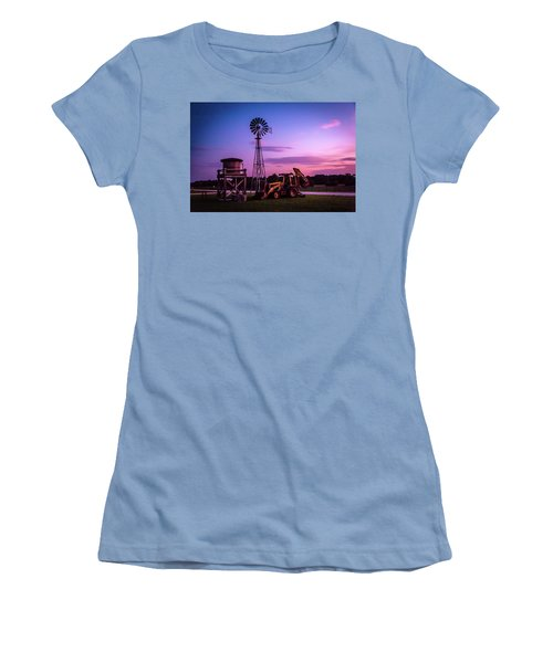 Aeromotor Windmill Women's T-Shirt (Athletic Fit)
