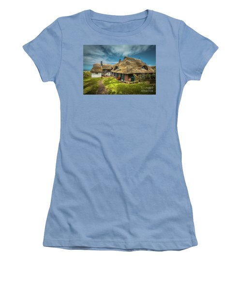 Beautiful Cottage Women's T-Shirt (Athletic Fit)