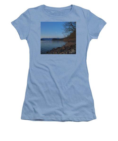 Women's T-Shirt (Junior Cut) featuring the photograph Celista Sunrise 3 by Victor K