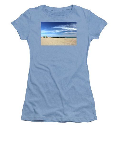 Coney Island Beach Women's T-Shirt (Athletic Fit)