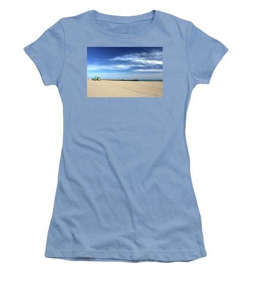 Coney Island Beach Women's T-Shirt (Athletic Fit)