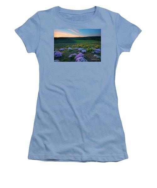 Cowiche Sunset Women's T-Shirt (Athletic Fit)