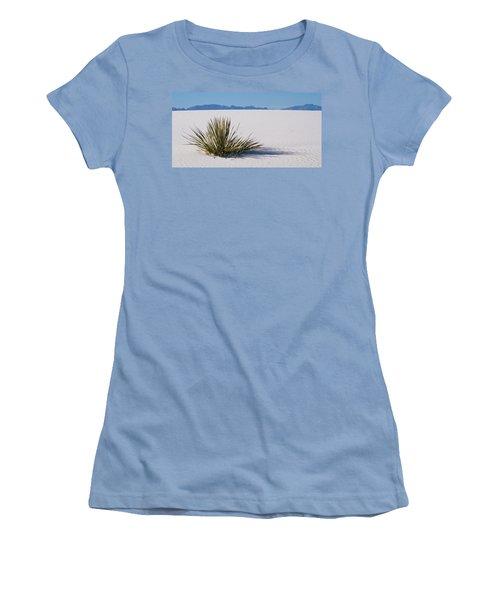 Dune Plant Women's T-Shirt (Athletic Fit)