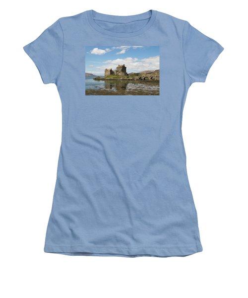 Eilean Donan Castle - Scotland Women's T-Shirt (Athletic Fit)