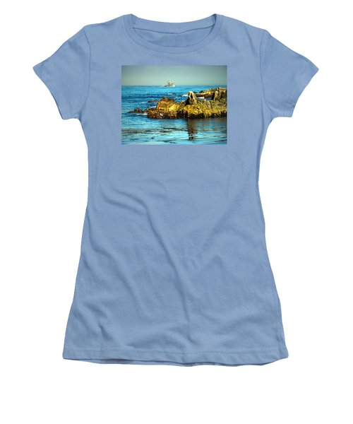 Fishing Monterey Bay Ca Women's T-Shirt (Athletic Fit)