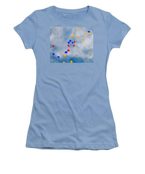 Julian Assange Balloons Women's T-Shirt (Athletic Fit)