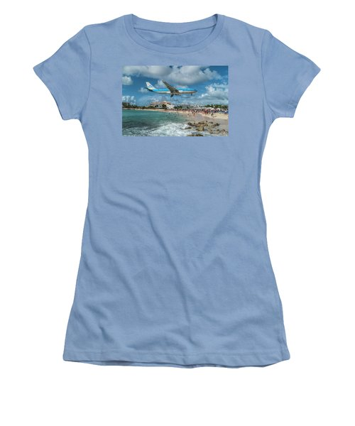 K L M A330 Landing At Sxm Women's T-Shirt (Athletic Fit)