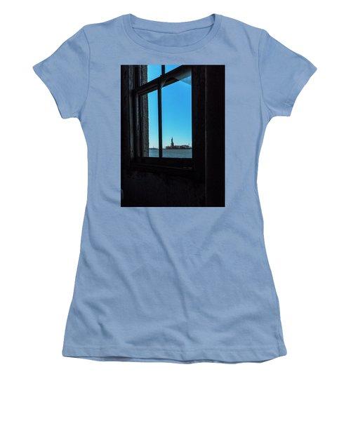 Lady Liberty Women's T-Shirt (Junior Cut) by Tom Singleton