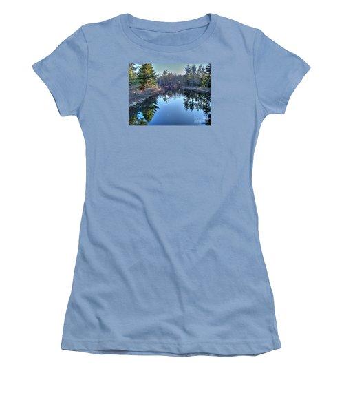 L'heure Bleu Women's T-Shirt (Athletic Fit)
