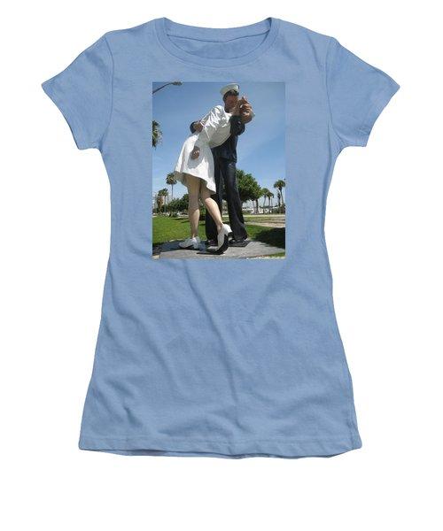 Love Women's T-Shirt (Athletic Fit)