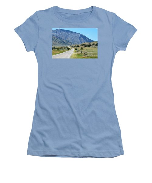 Mountain  Women's T-Shirt (Athletic Fit)