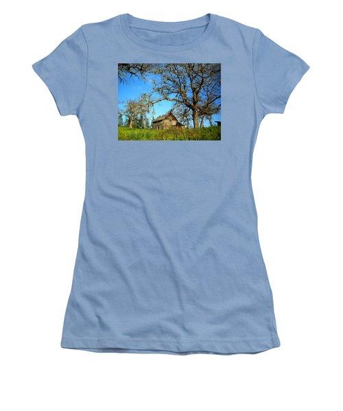 Oak Women's T-Shirt (Athletic Fit)