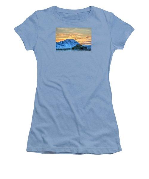 Old Barn Women's T-Shirt (Junior Cut) by Fiskr Larsen
