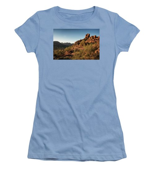 Pinnacle Peak  Women's T-Shirt (Athletic Fit)