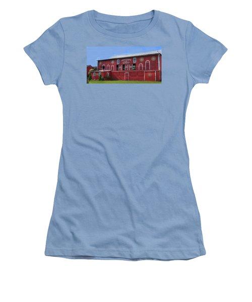 Pinnacle Ridge Winery Women's T-Shirt (Junior Cut) by Sharon Batdorf
