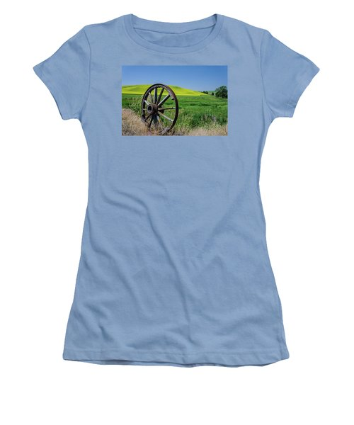 Rustic Wagon Wheel In The Palouse Women's T-Shirt (Junior Cut) by James Hammond