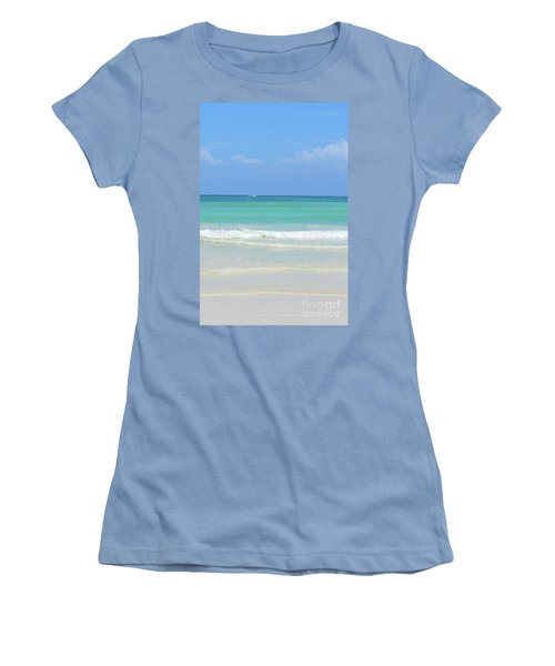 Seychelles Islands 3 Women's T-Shirt (Athletic Fit)