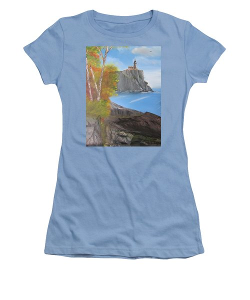 Split Rock Lighthouse Minnesota Women's T-Shirt (Junior Cut)