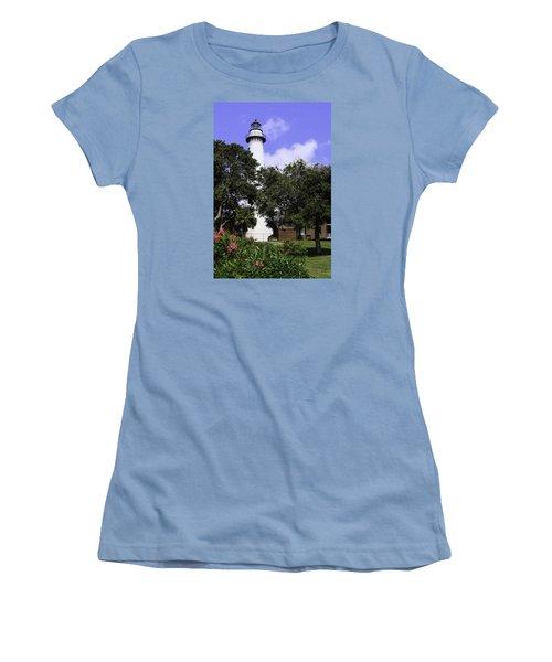 St Simons Isle Lighthouse Women's T-Shirt (Junior Cut) by Elizabeth Eldridge