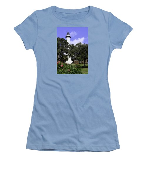 St Simons Isle Lighthouse Women's T-Shirt (Athletic Fit)