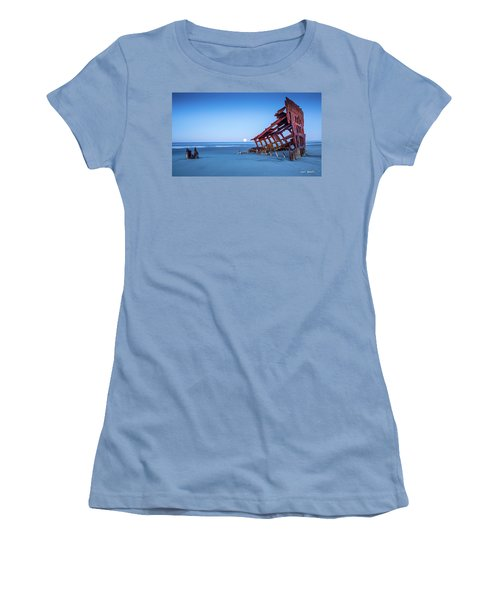 The Wreck Of The Peter Iredale Women's T-Shirt (Athletic Fit)