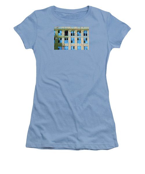 Ventanas Azules Women's T-Shirt (Athletic Fit)