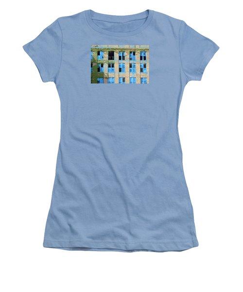 Ventanas Azules Women's T-Shirt (Athletic Fit)
