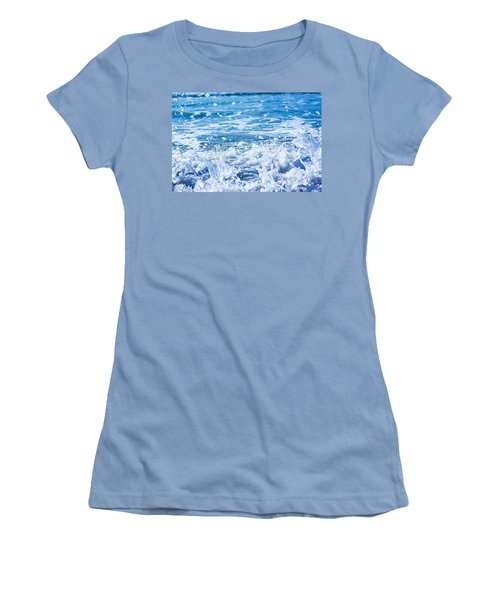 Wave 3 Women's T-Shirt (Athletic Fit)