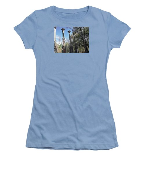 Windsor Ruins Women's T-Shirt (Athletic Fit)