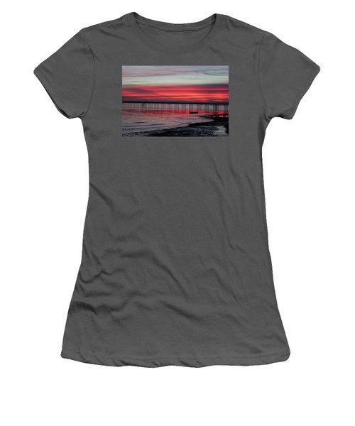 Southend Pier Sunset Women's T-Shirt (Athletic Fit)