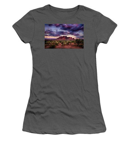 Sunset At The Superstitions  Women's T-Shirt (Junior Cut) by Saija  Lehtonen