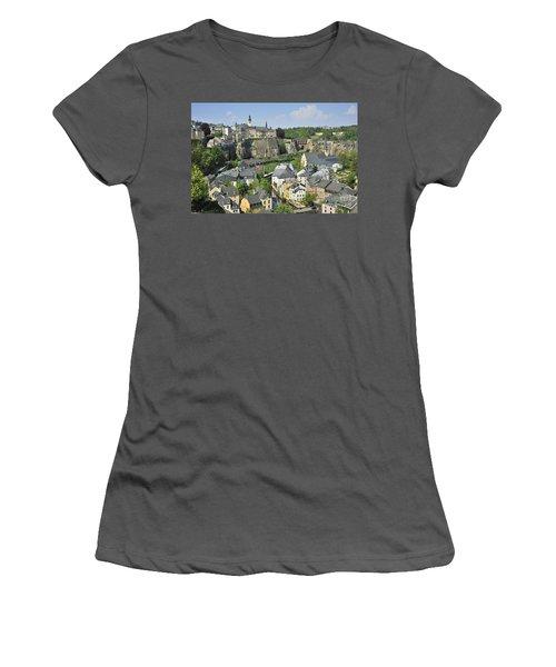 110414p202 Women's T-Shirt (Athletic Fit)