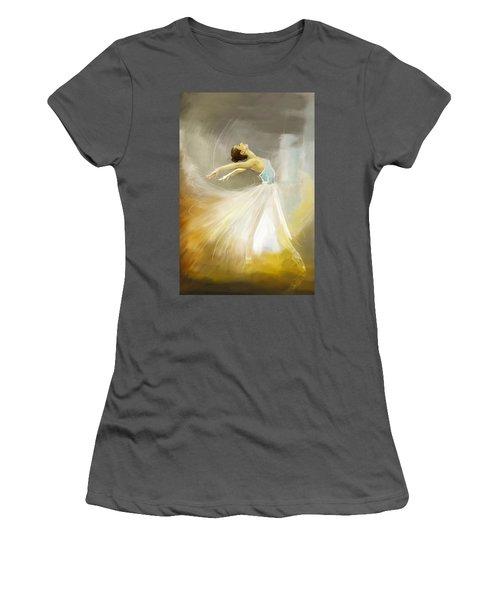 Ballerina  Women's T-Shirt (Athletic Fit)