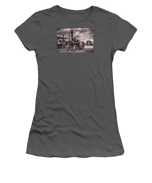 Advance Steam Traction Engine Women's T-Shirt (Junior Cut) by Shelly Gunderson