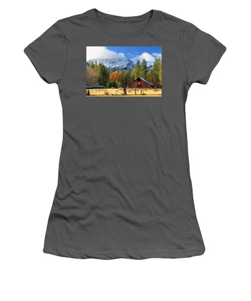 Autumn Barn At Thompson Peak Women's T-Shirt (Athletic Fit)