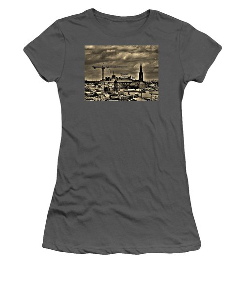 Baltimore Women's T-Shirt (Athletic Fit)