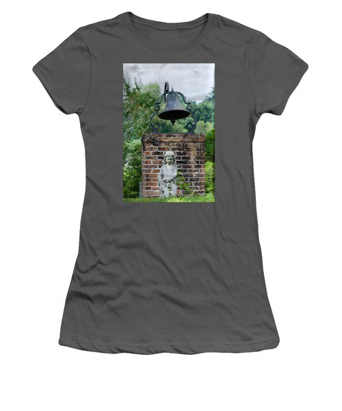 Bell Brick And Statue Women's T-Shirt (Athletic Fit)