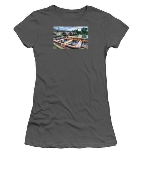 Boat Repair On The Thames Women's T-Shirt (Athletic Fit)