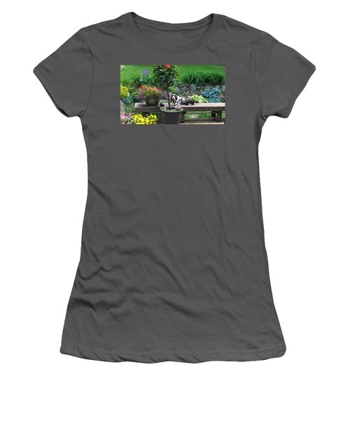 Bowie In The Garden Women's T-Shirt (Athletic Fit)
