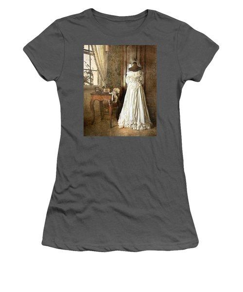 Bridal Trousseau Women's T-Shirt (Athletic Fit)